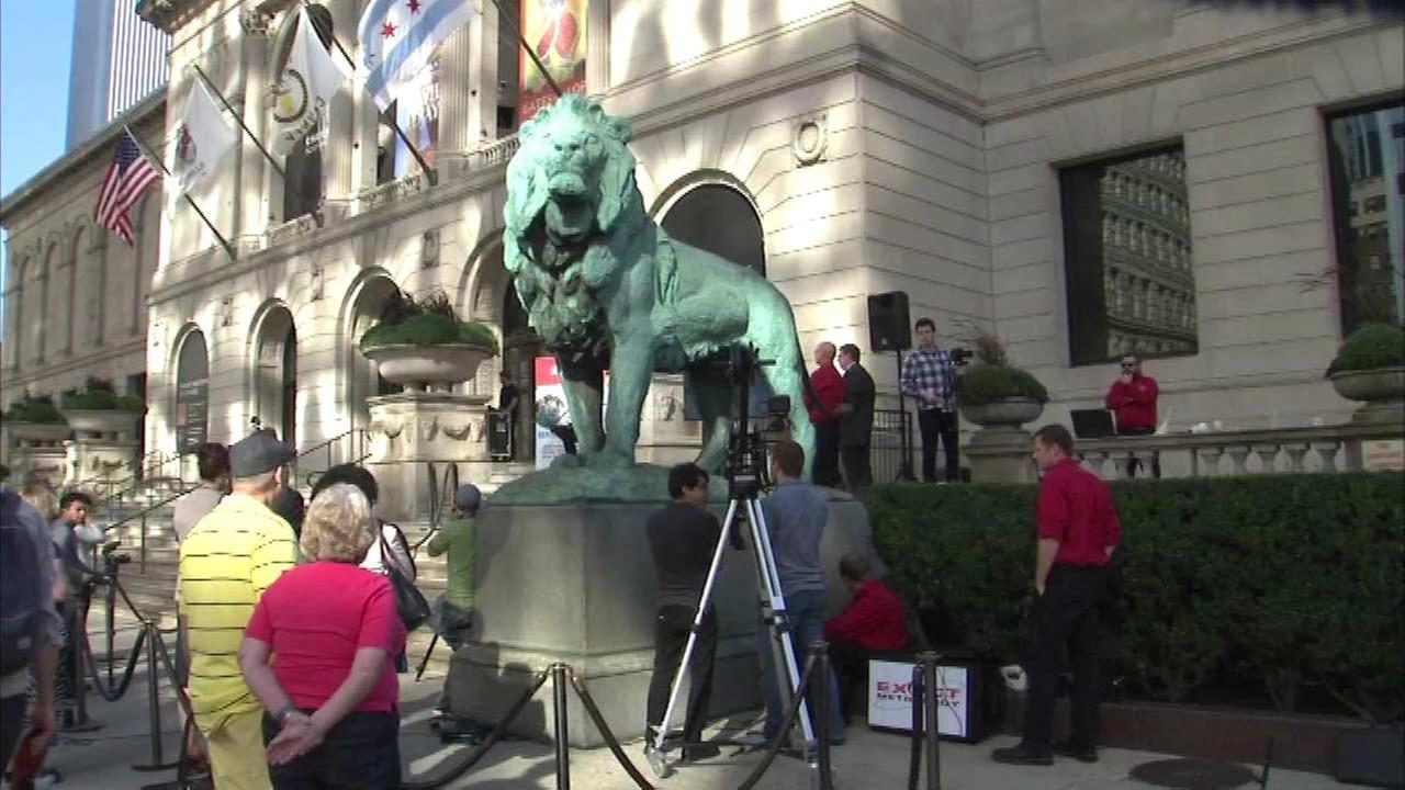 3D scanner photographs Art Institute lion for FABTECH 2015