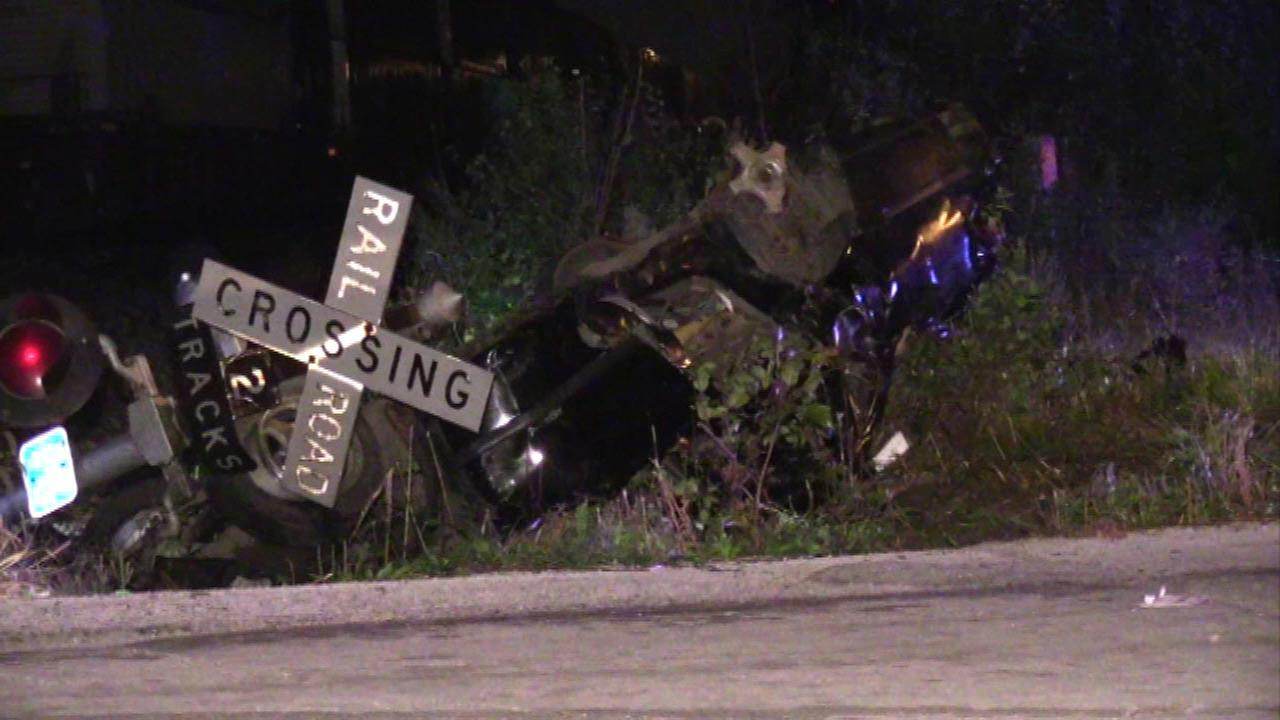 Man injured after crash with train in Harvey