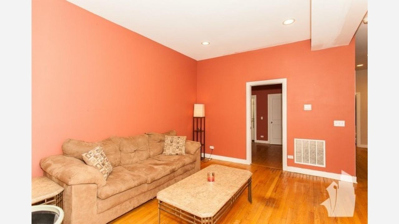 Inside 1600 North Ashland Ave. | Photos: Zumper