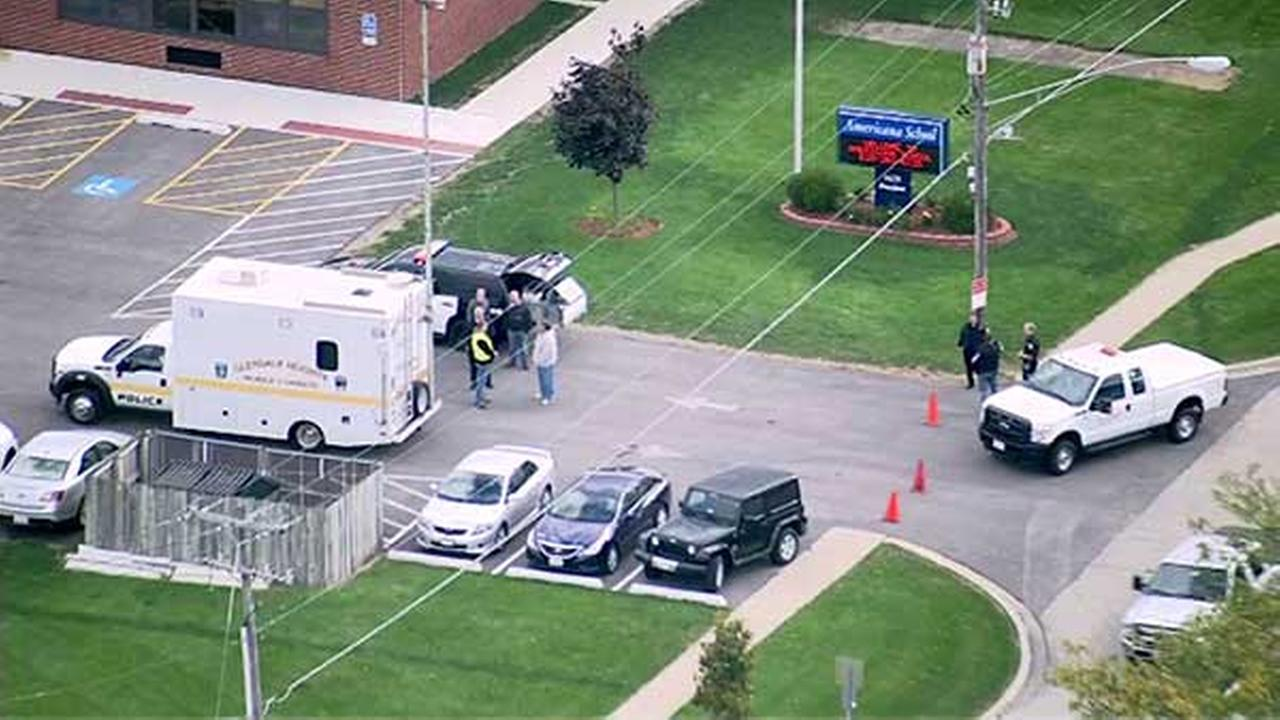 Glendale Heights school closed by reported bomb threat