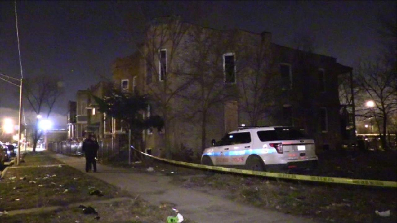 Body found in West Garfield Park basement after fire, officials say