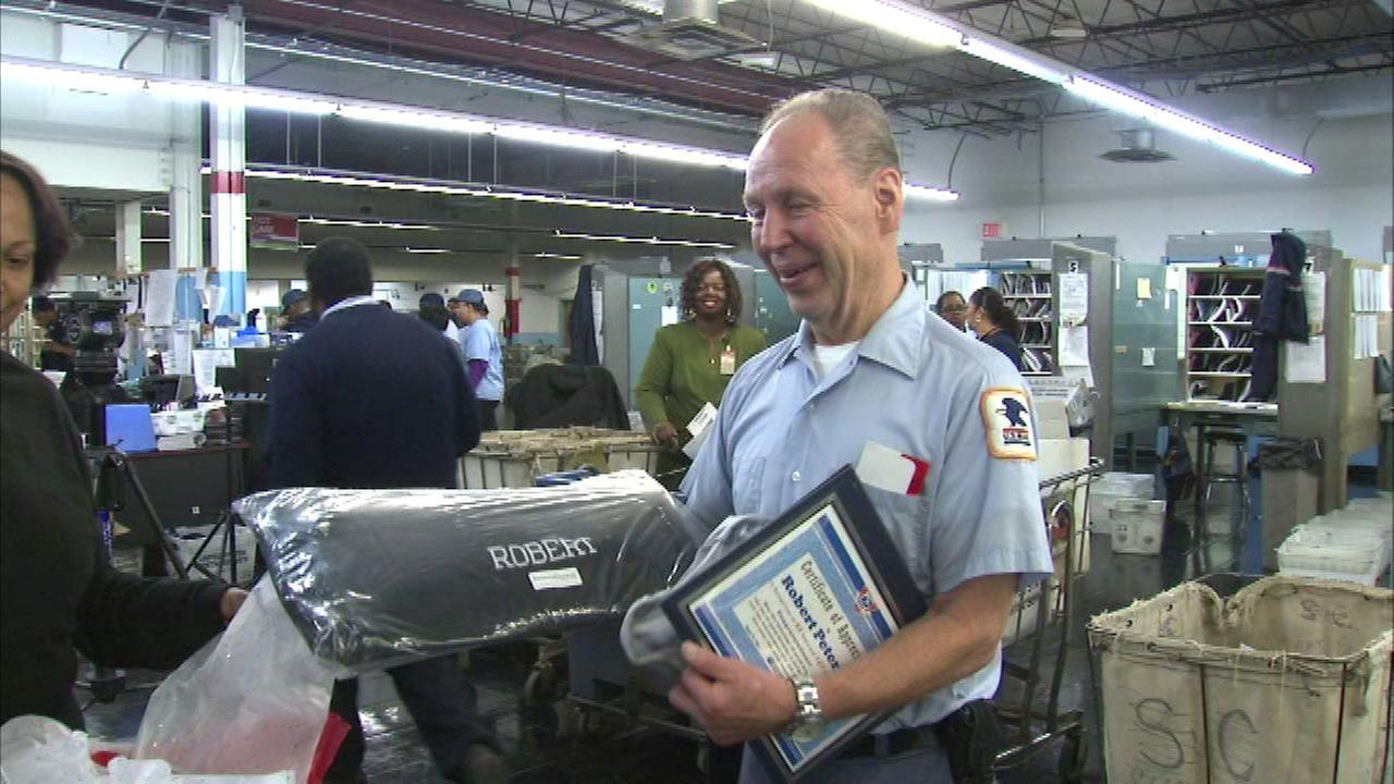 3 Chicago mailmen retire after more than 40 years on the job