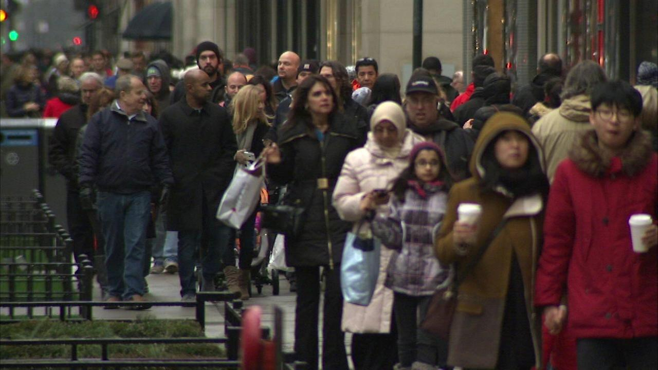 Bargain hunters finding post-Christmas sales