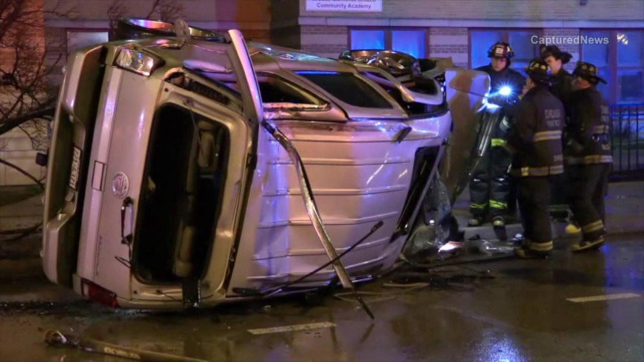 5 critically hurt in Pilsen crash