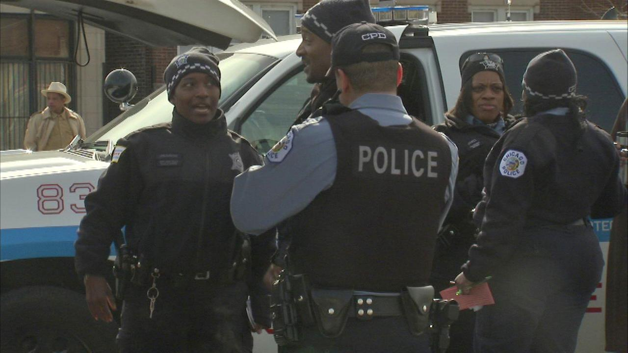 Chicago police allowed to wear knit caps