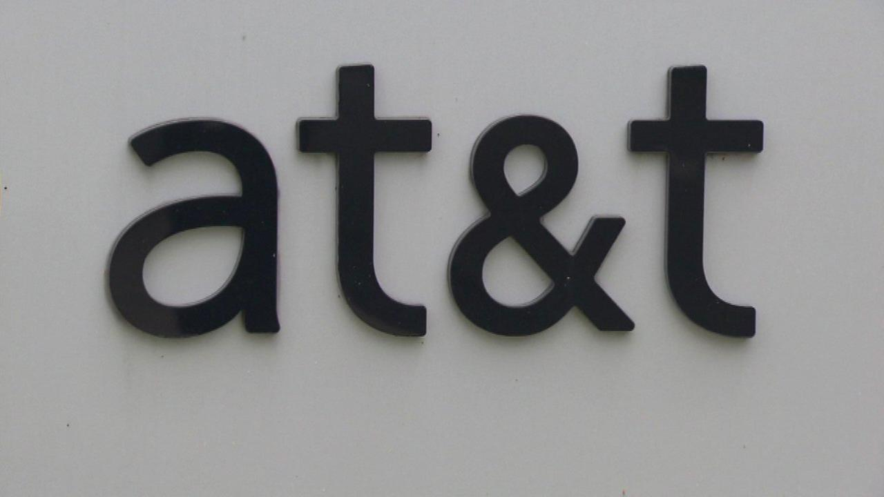 AT&T eliminates smartphone contracts