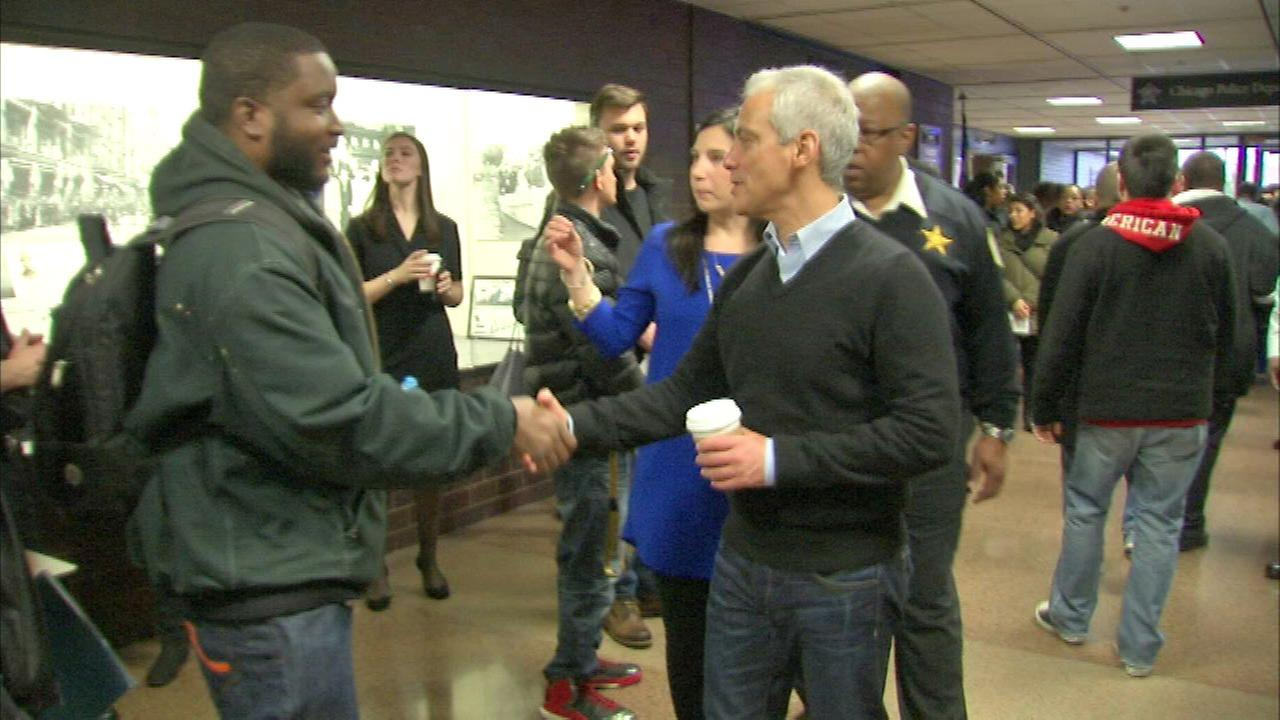 Chicago police host recruitment event