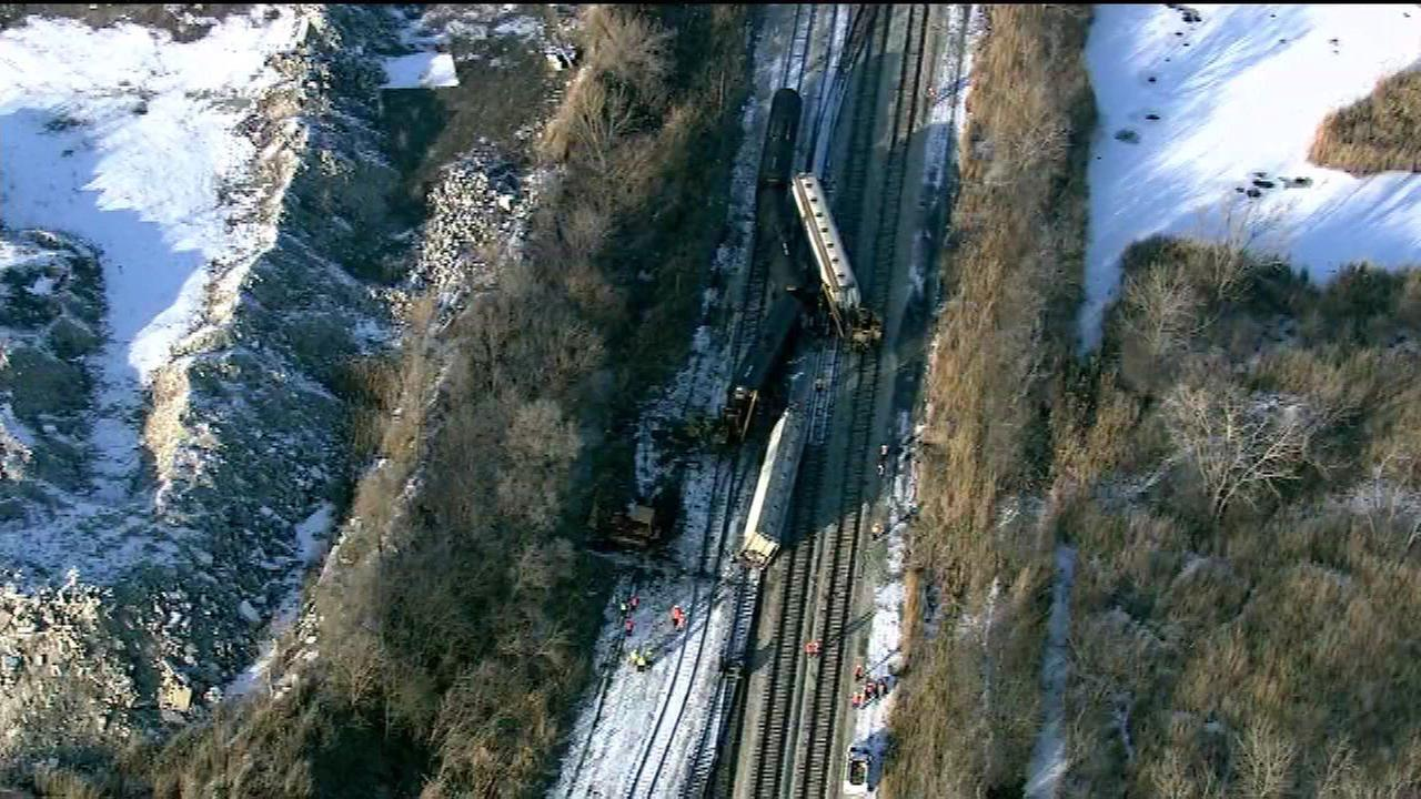 Rock Island Line Metra trains to be delayed 30 minutes due to derailed freight train