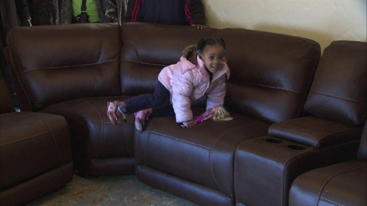 Chicago family who had been sleeping on floor gets generous gift
