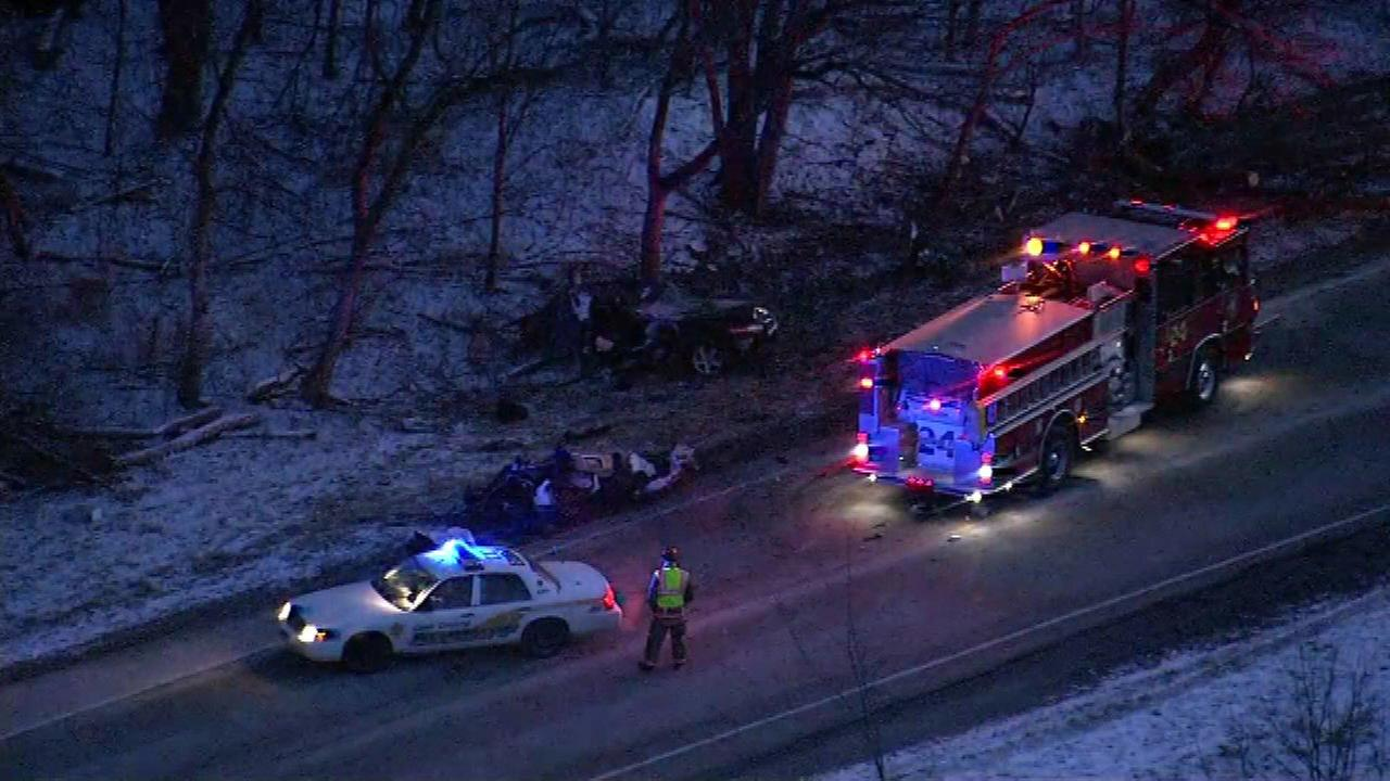 Woman ejected from car during crash in Hoffman Estates