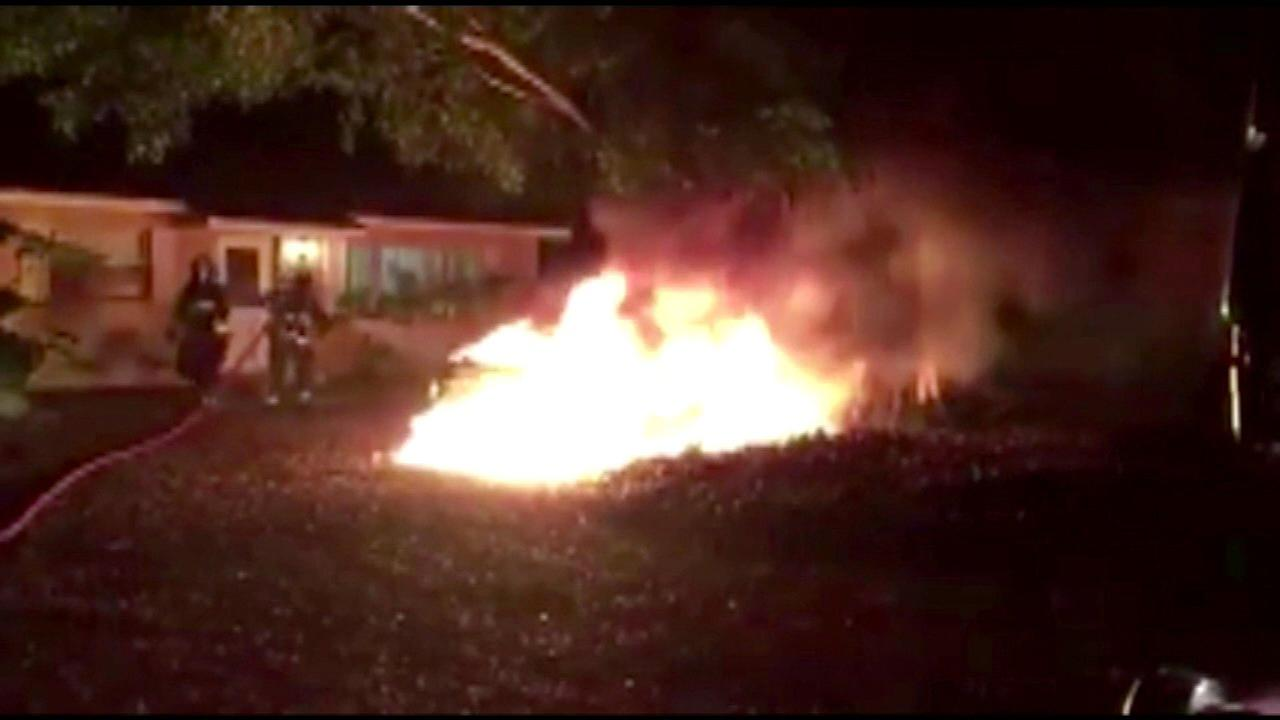 Florida woman's e-cig explodes, causes fire in car