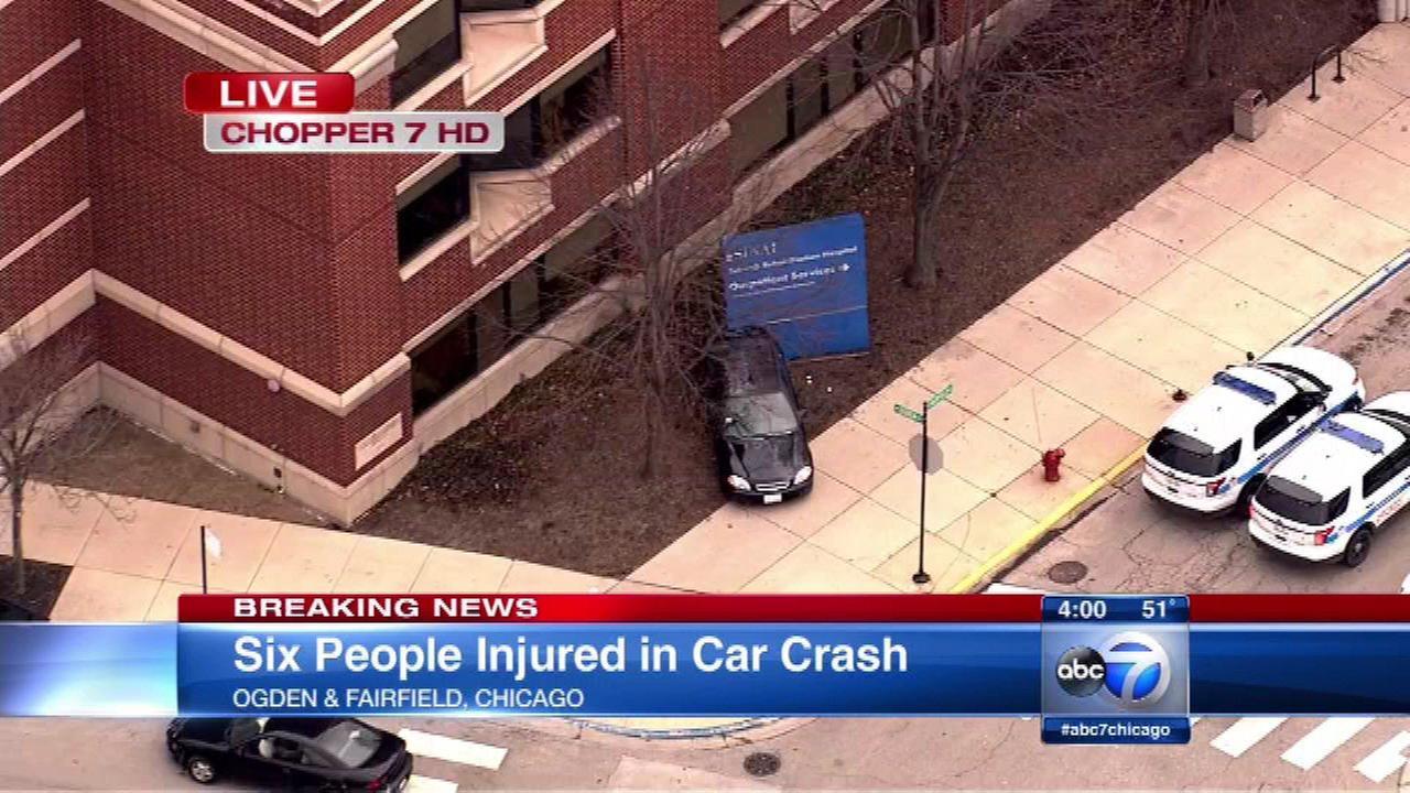 6 injured in Douglas Park crash