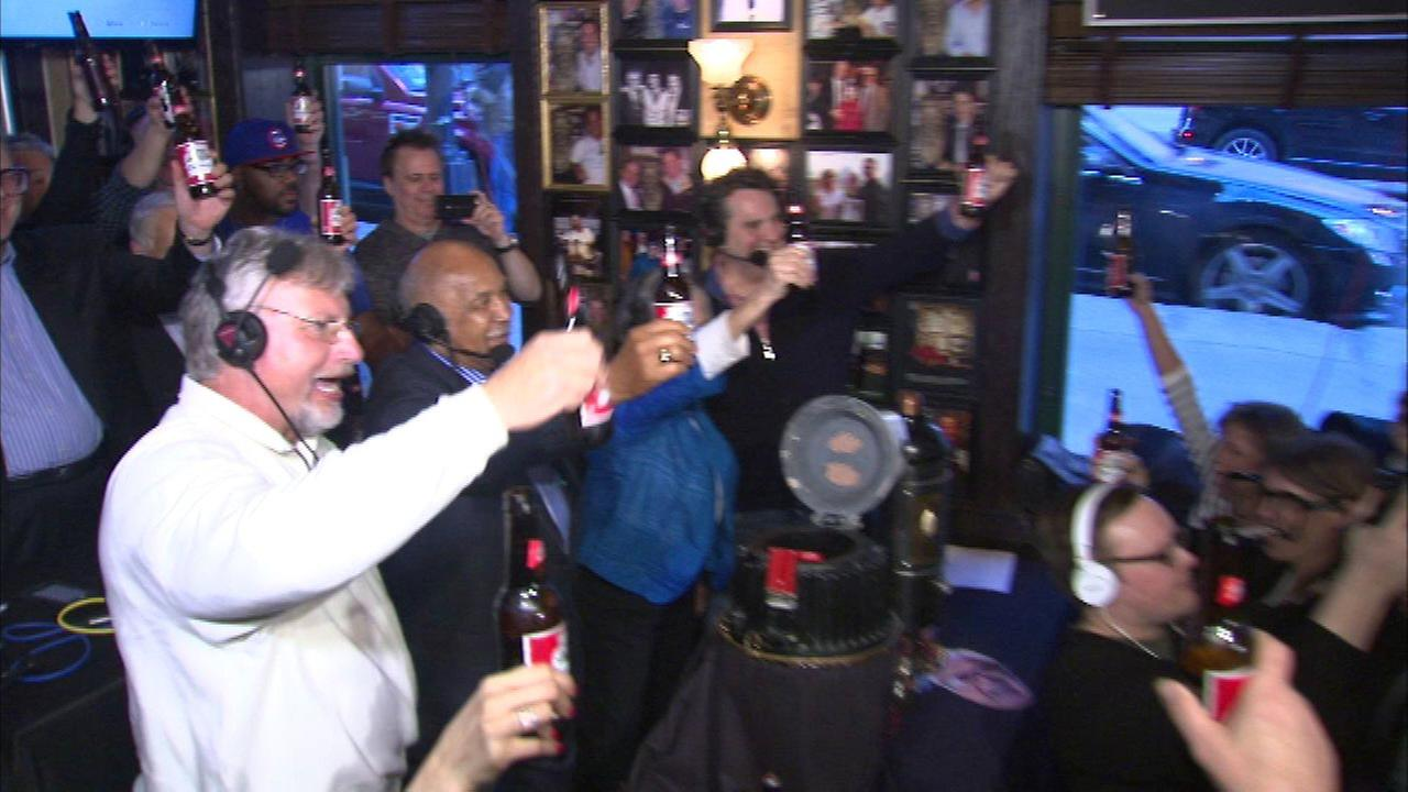 Harry Caray fans plan toast for his 102nd birthday