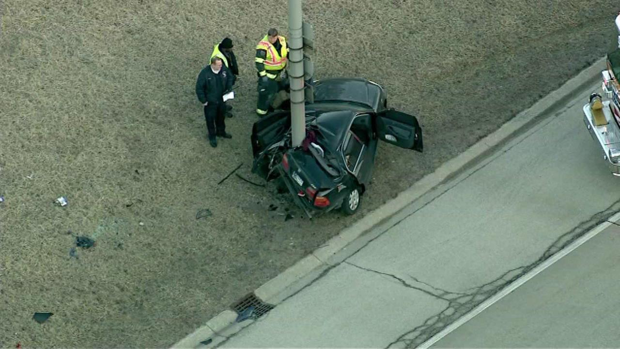 Car strikes pole along SB I-355 near Ogden exit
