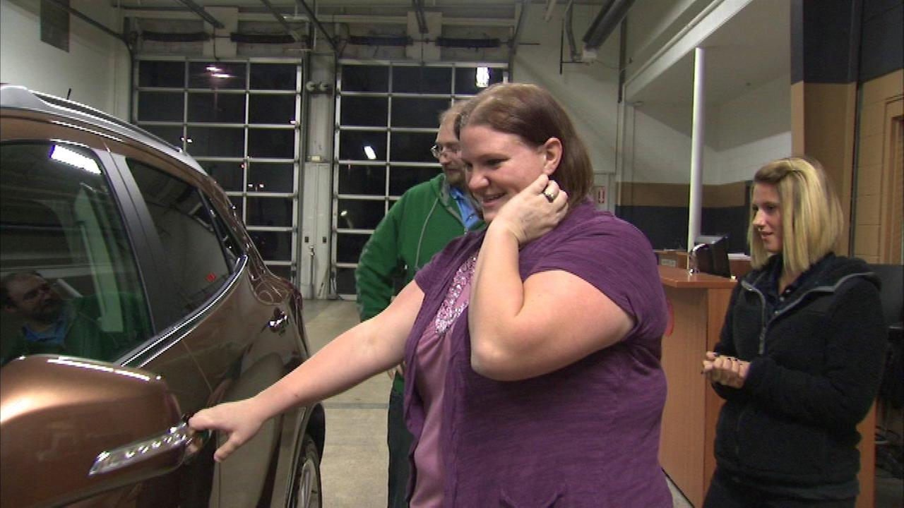 Elmwood Park woman wins Buick from Auto Show contest