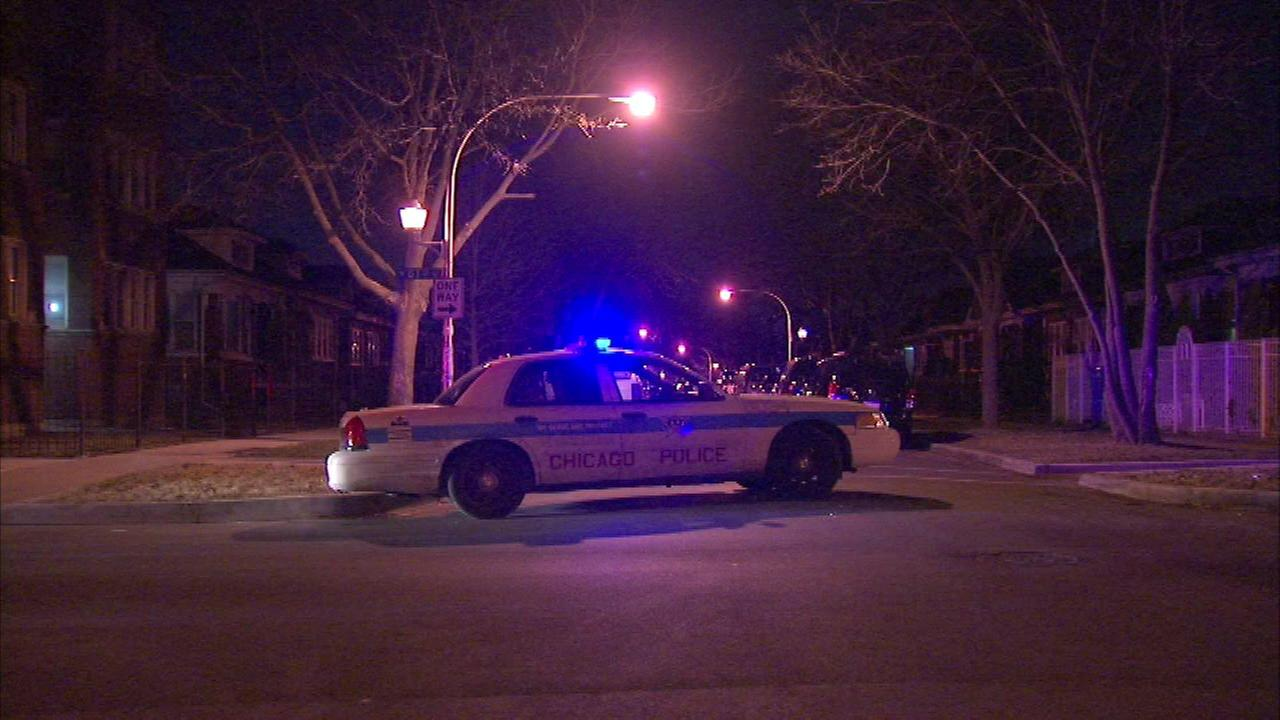 1 dead, 1 critical after police standoff in Englewood, police say