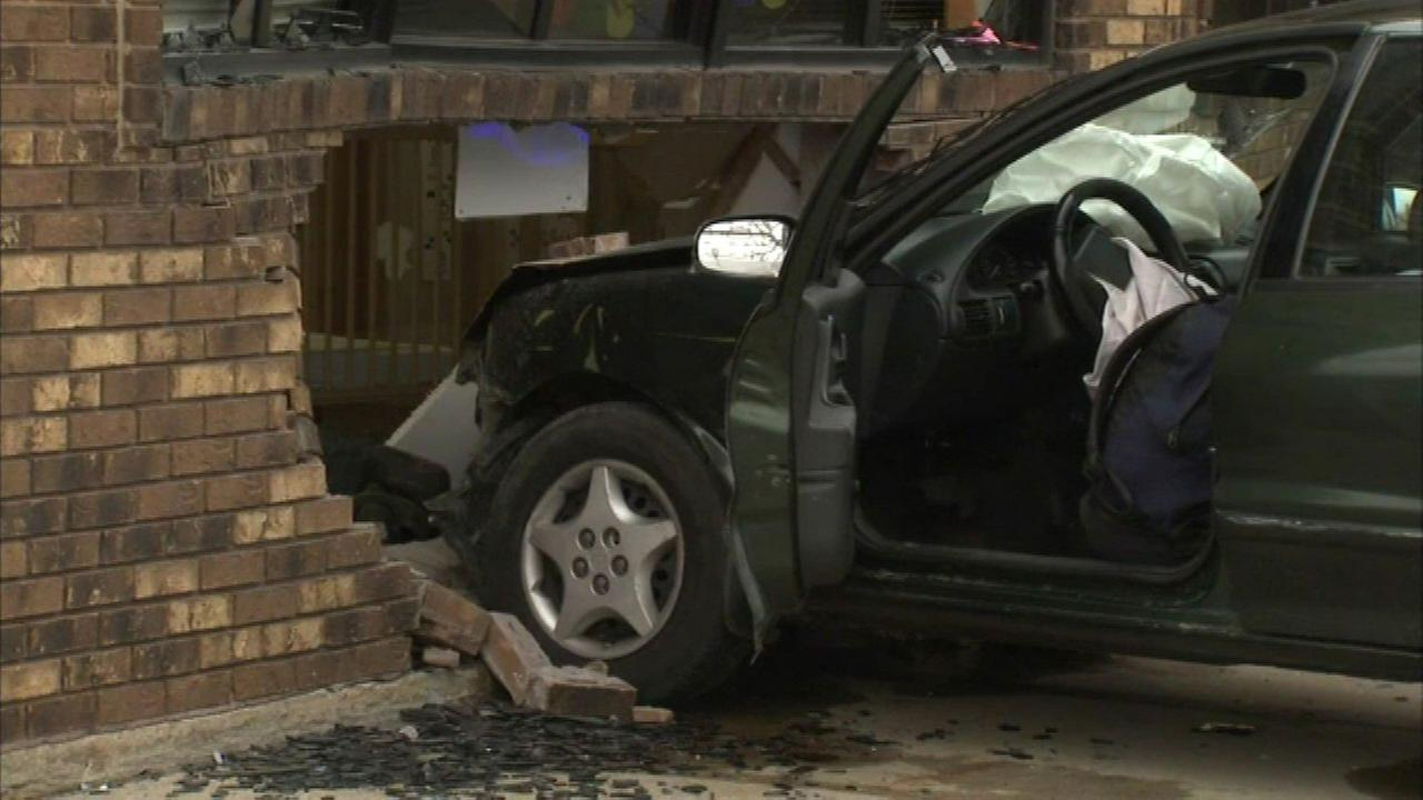 Car crashes into Chicago daycare