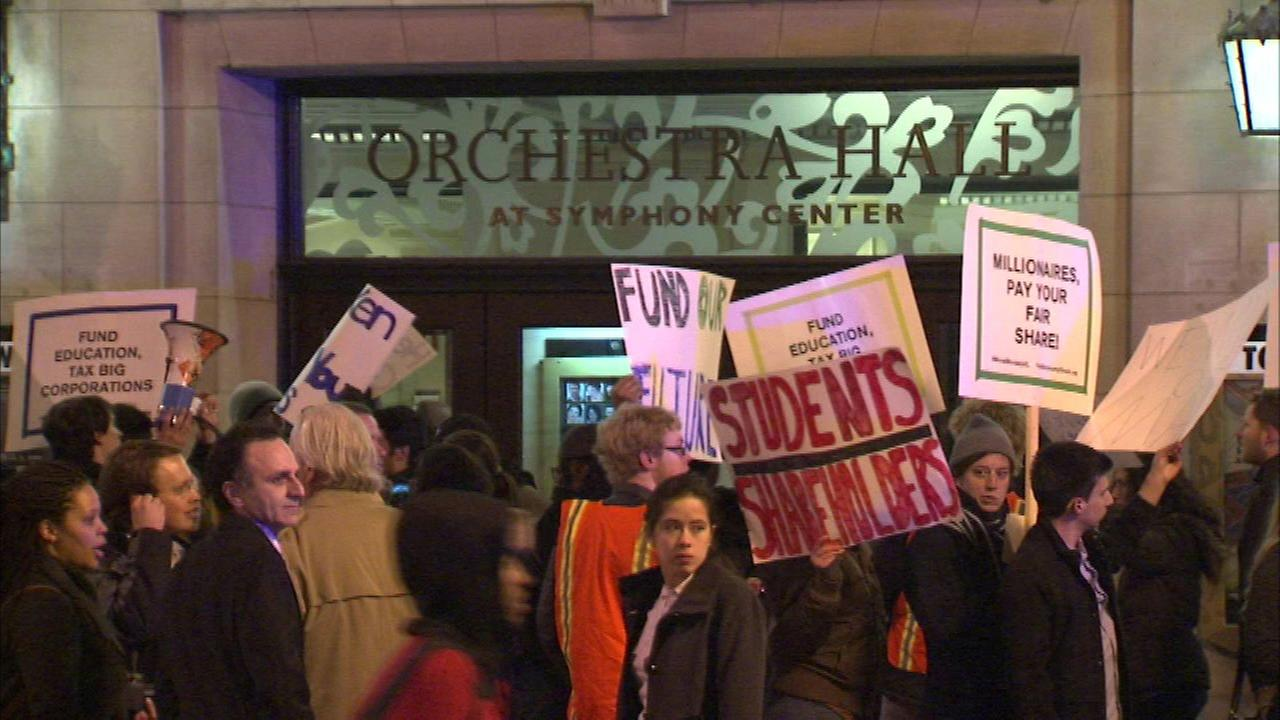 Protesters outside Chicago Symphony Orchestra on April 2, 2016.