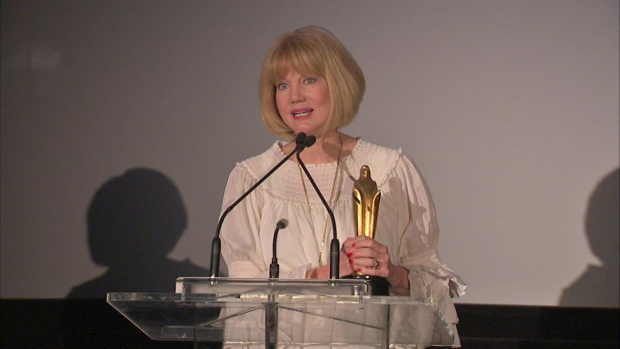 ABC7's Janet Davies honored with Chicago Legend Award