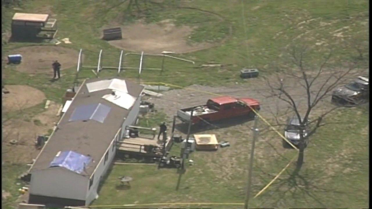 8 relatives shot in the head in Ohio; no suspects caught yet