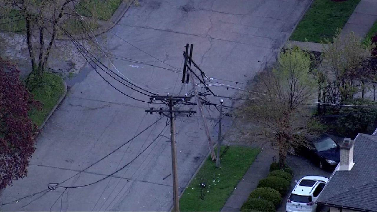 Howard Street closed in Skokie due to downed power lines