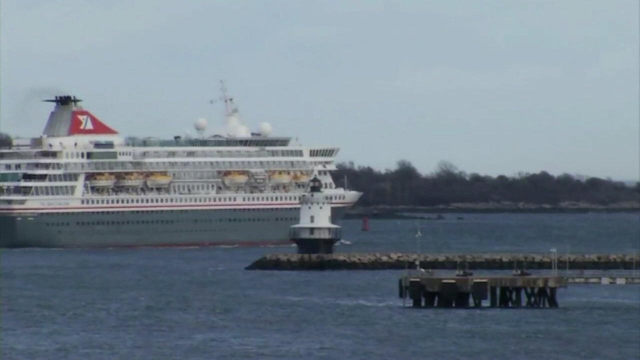 Passengers on cruise ship docked in Maine may have norovirus