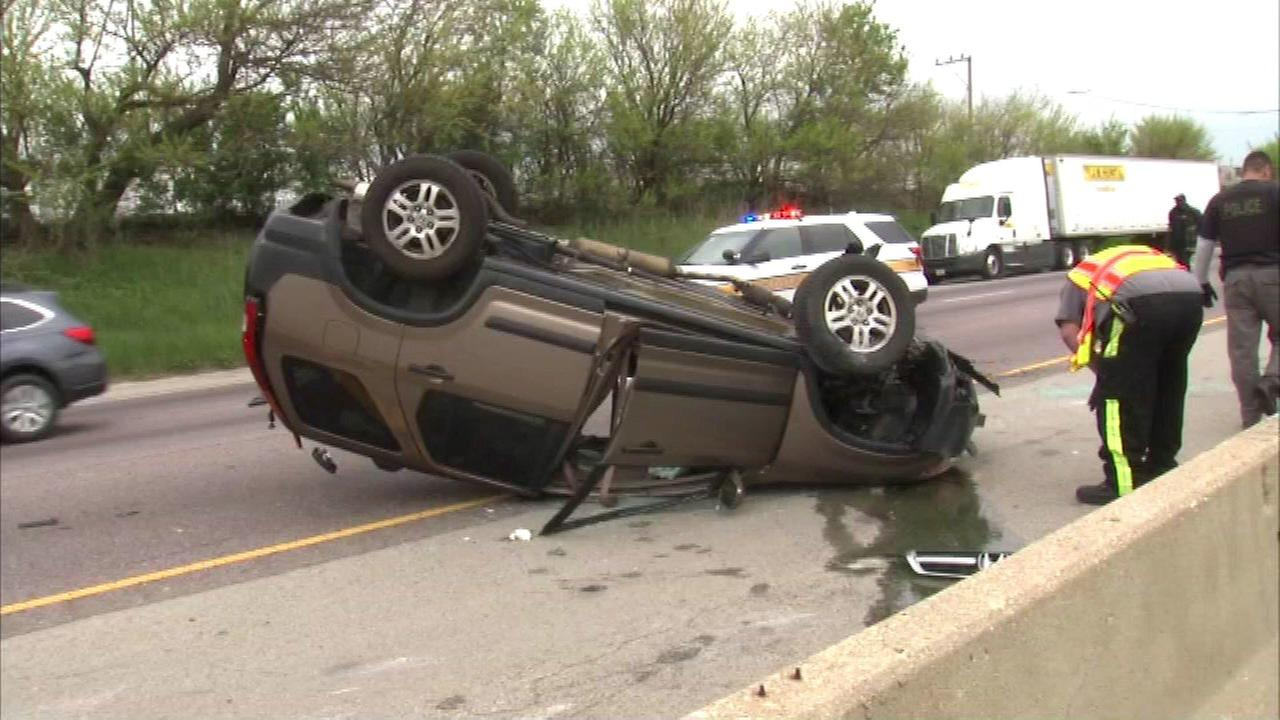 OB Stevenson Expressway reopens between Damen and Pulaski after rollover crash