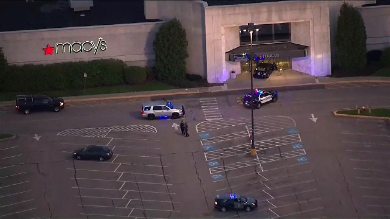 3 dead in stabbing attacks at mall, home in Massachusetts