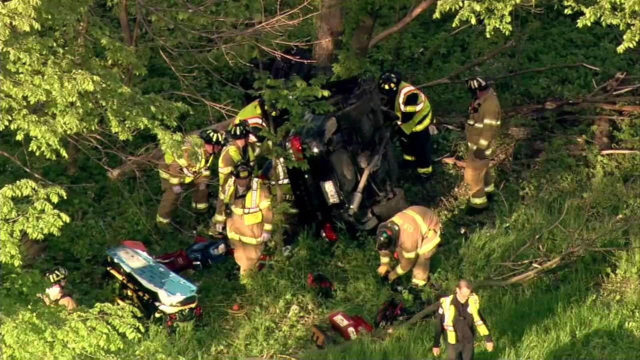 Palatine man, 31, trapped in rollover crash near Busse Woods
