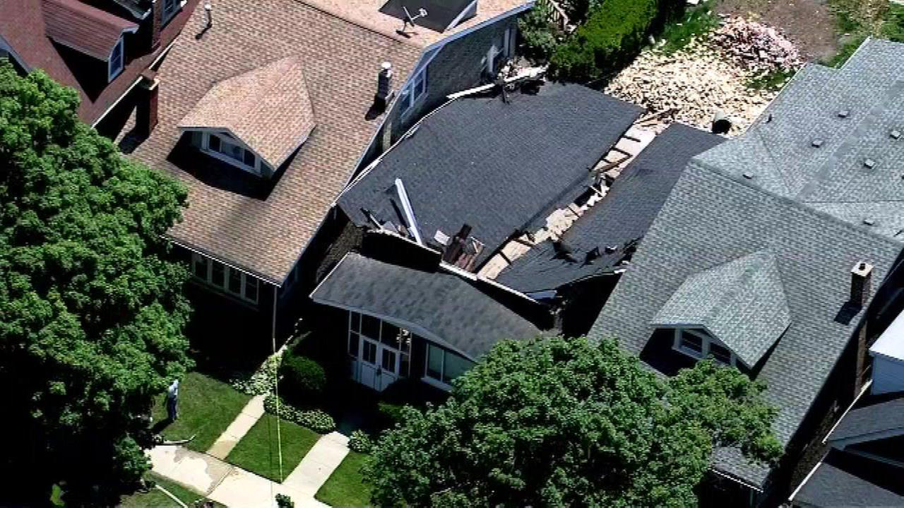 Roof collapses at vacant North Side bungalow