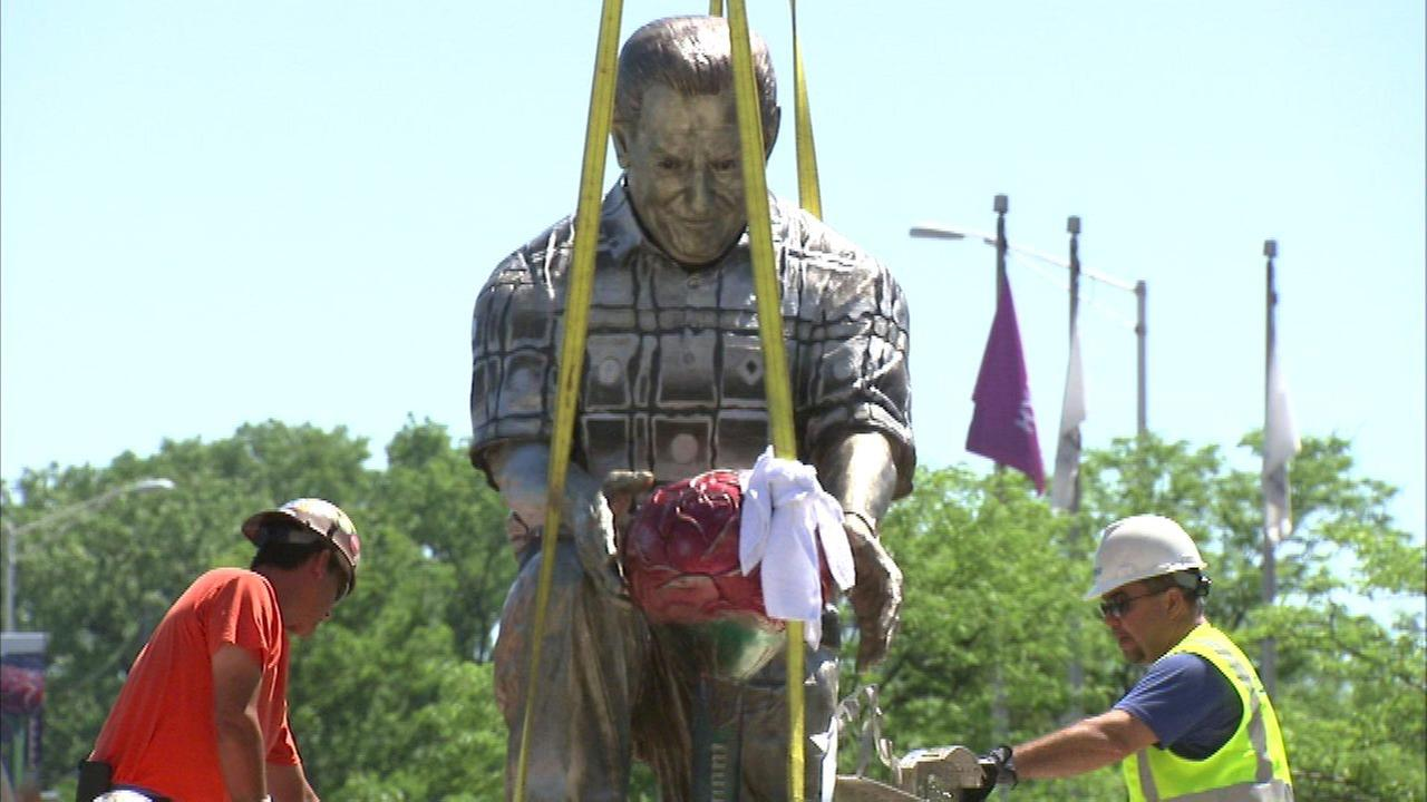 Installation begins on statue honoring Rosemont mayor