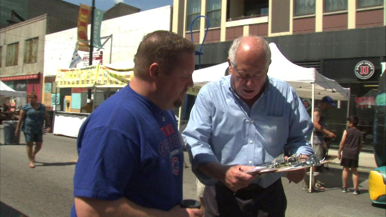 Pat Quinn gets signatures for 'Take Charge Chicago' petition
