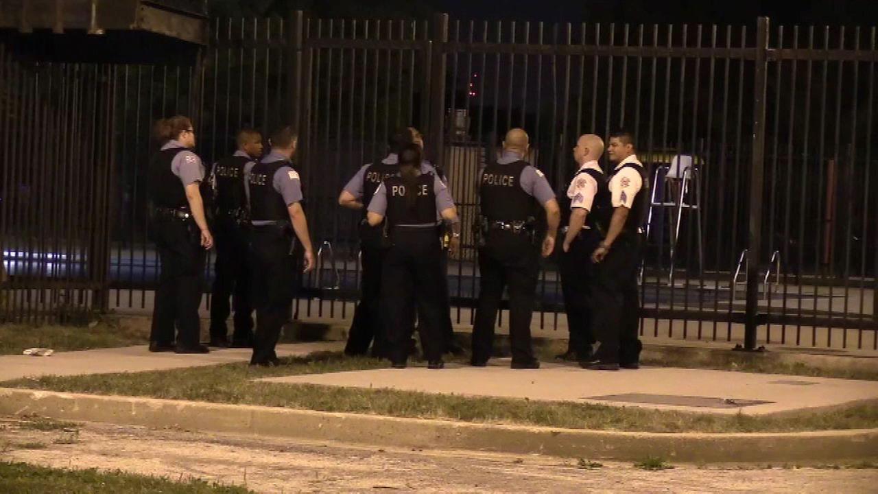 Man found dead in Chicago public pool in Lawndale