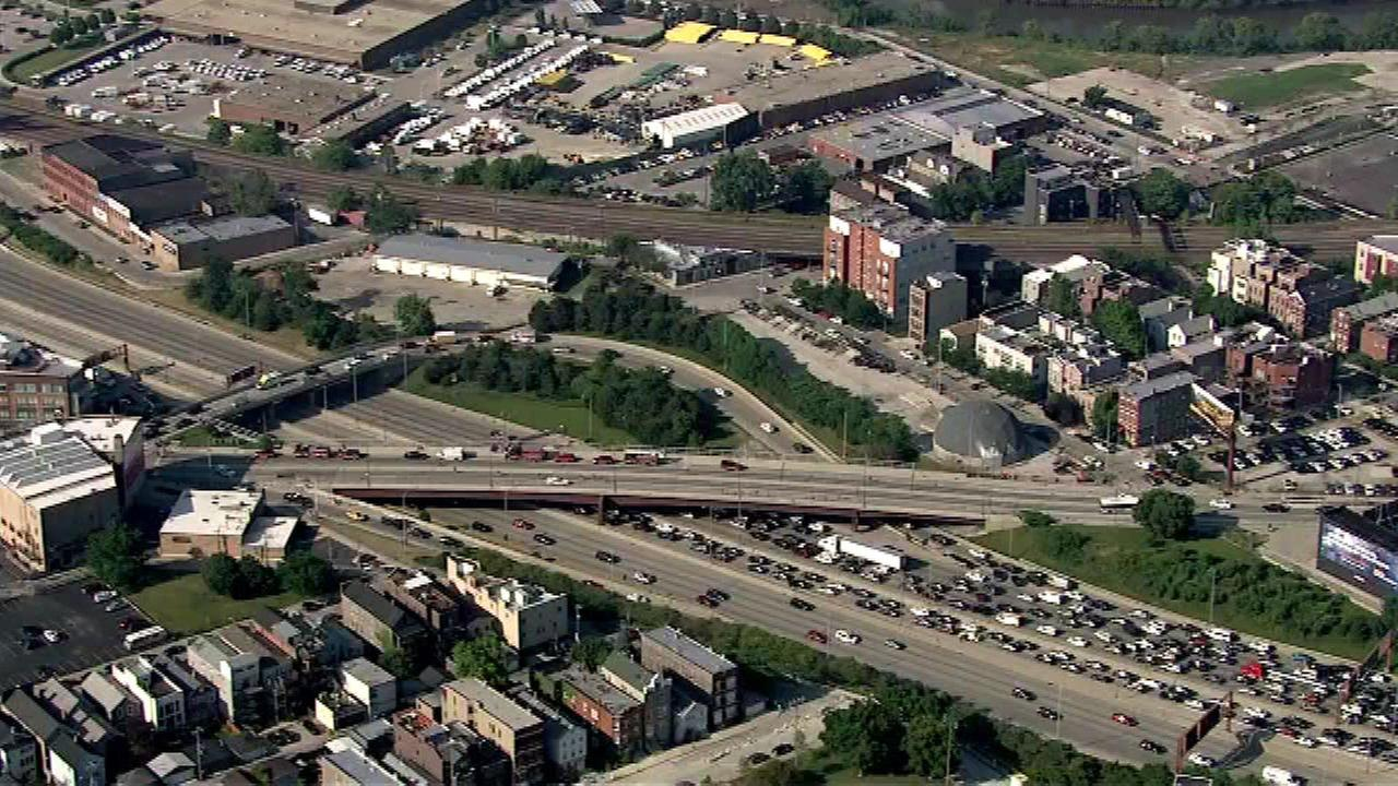 Outbound Kennedy Expressway reopens at Milwaukee