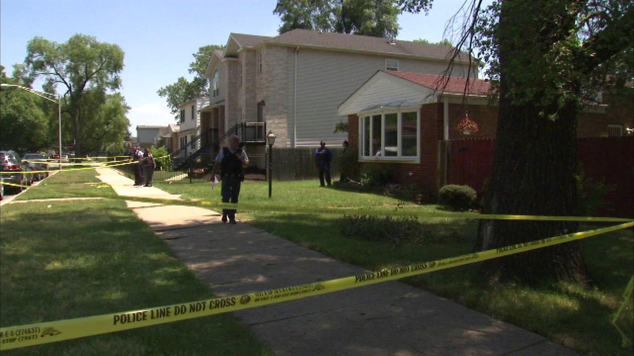 4 people shot in Morgan Park