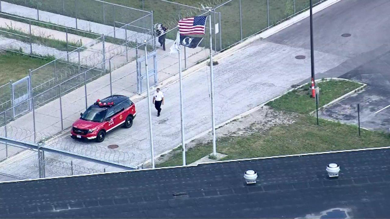 Officials: 3 stabbed at Cook County Jail