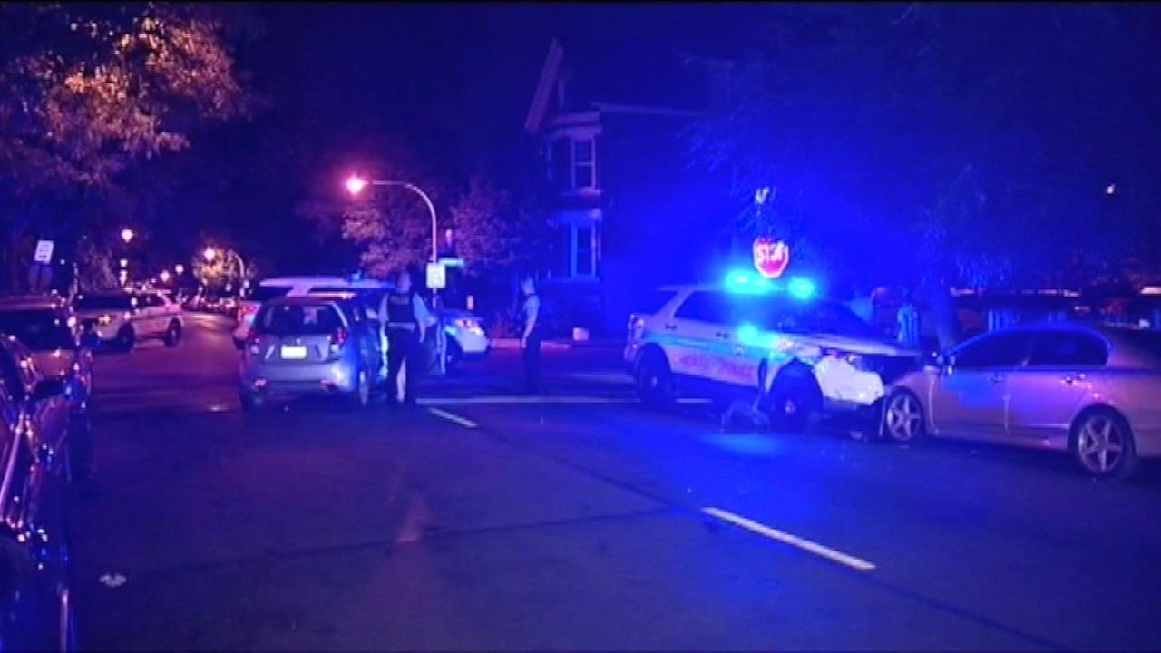 2 Chicago police officers hurt in Humboldt Park crash