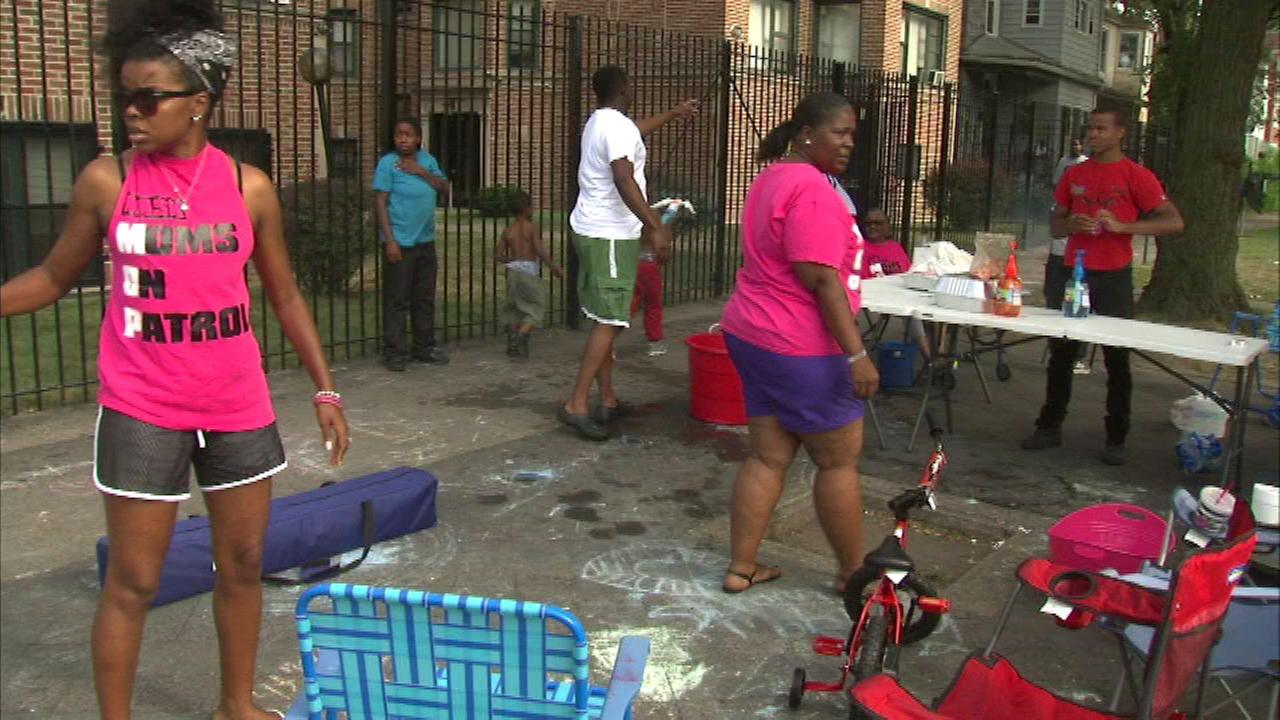 Mom patrol group told to move from Auburn Gresham corner