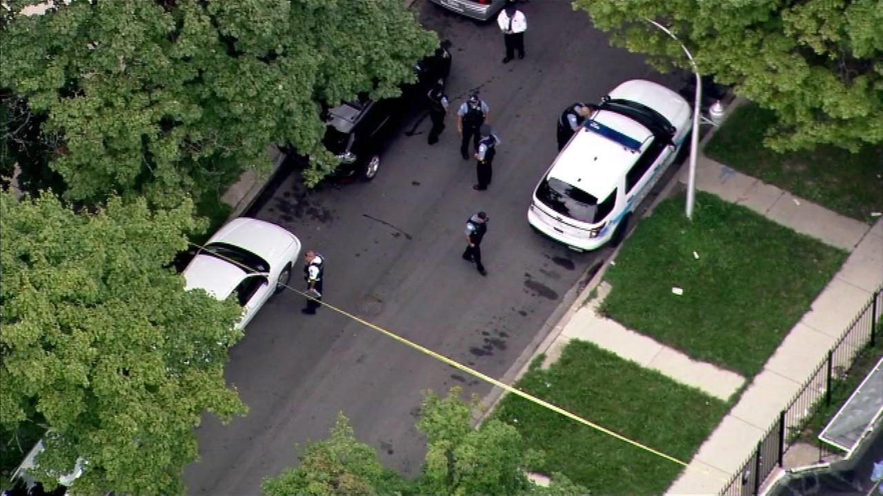 3 shot in Chicago Lawn