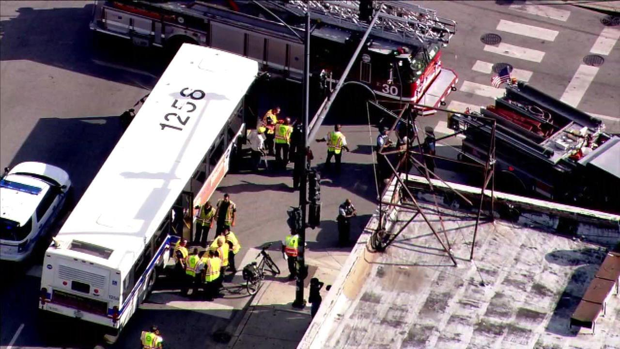 12 injured in CTA bus crash in Woodlawn