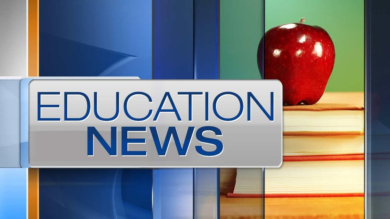 Illinois school districts report trouble filling positions