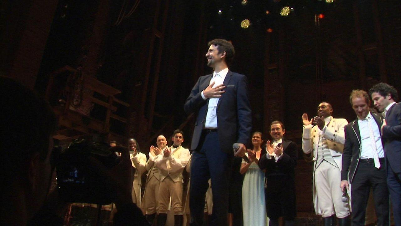 'Hamilton' creator joins Chicago cast on stage for curtain call