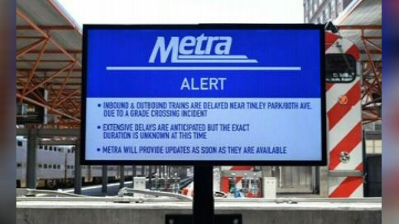 New outdoor, HD signs coming to Metra stations