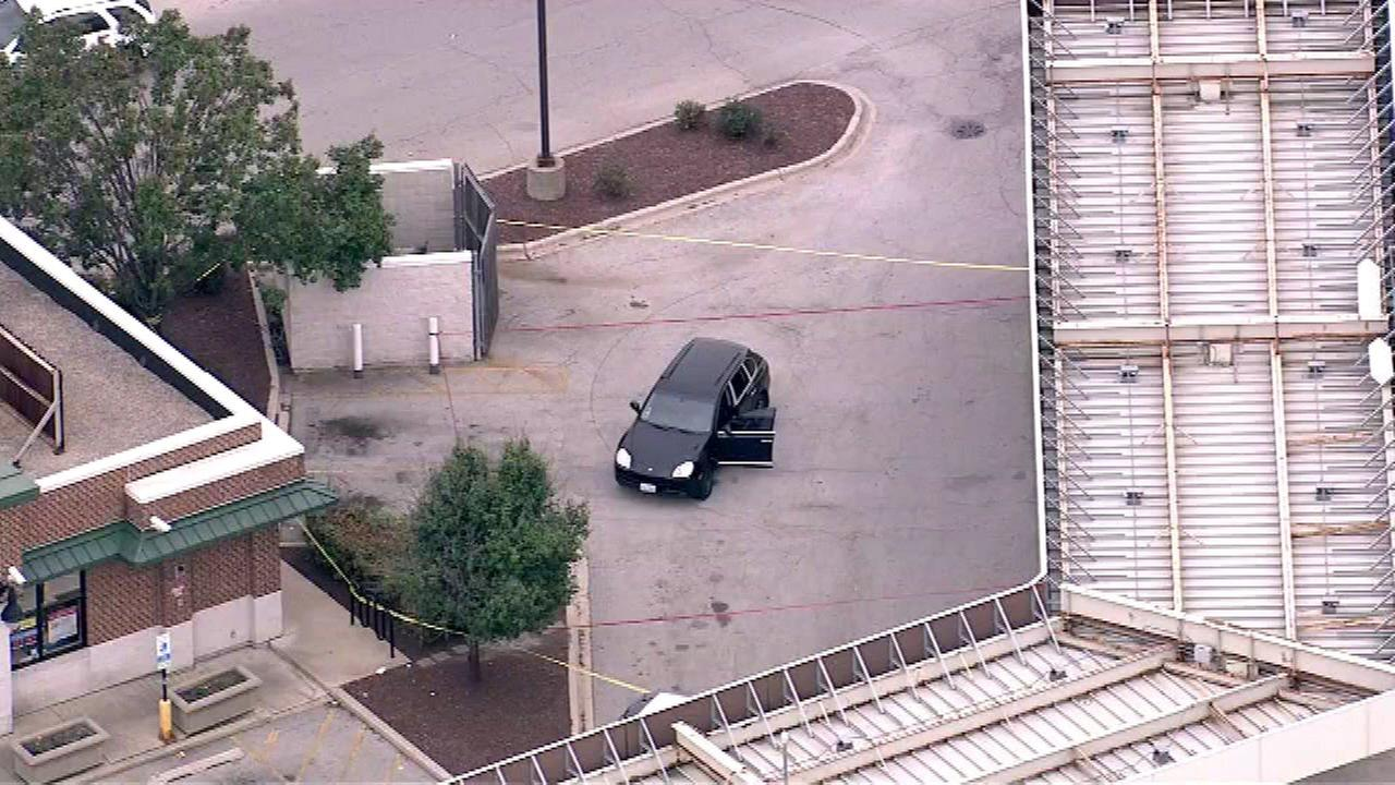 Man critically injured in South Side attempted carjacking, shooting