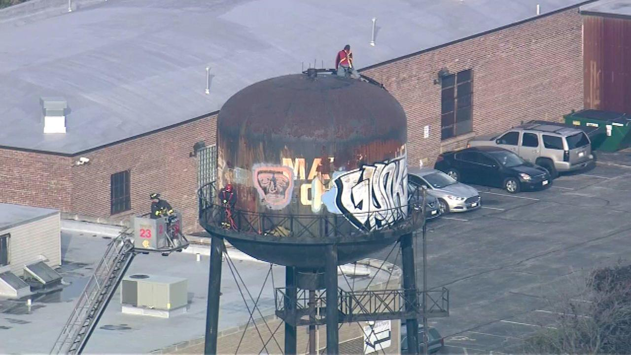 Worker rescued from Northwest Side water tower