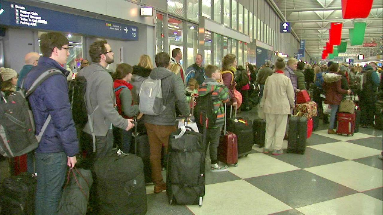 Chicago airports' busiest days were summer weekdays in last year