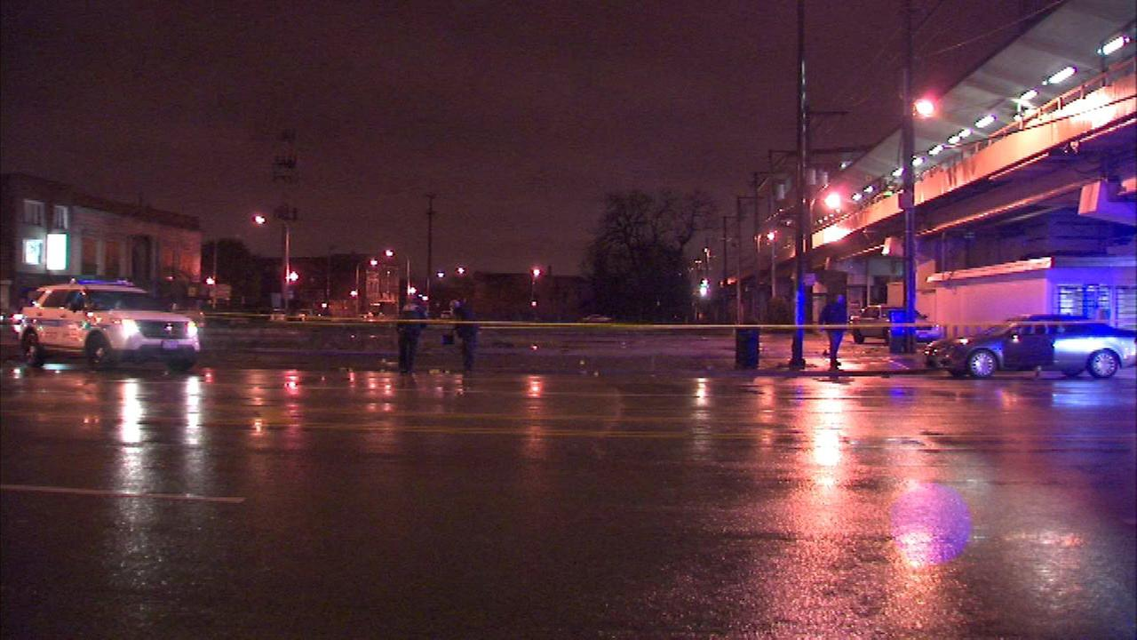 Man beaten to death with bottle in Englewood