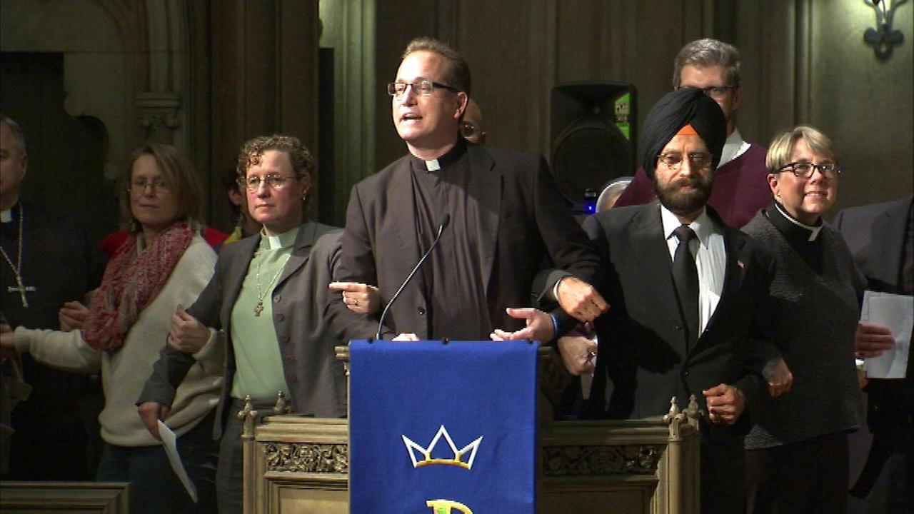 Faith leaders hold vigil supporting immigrant families