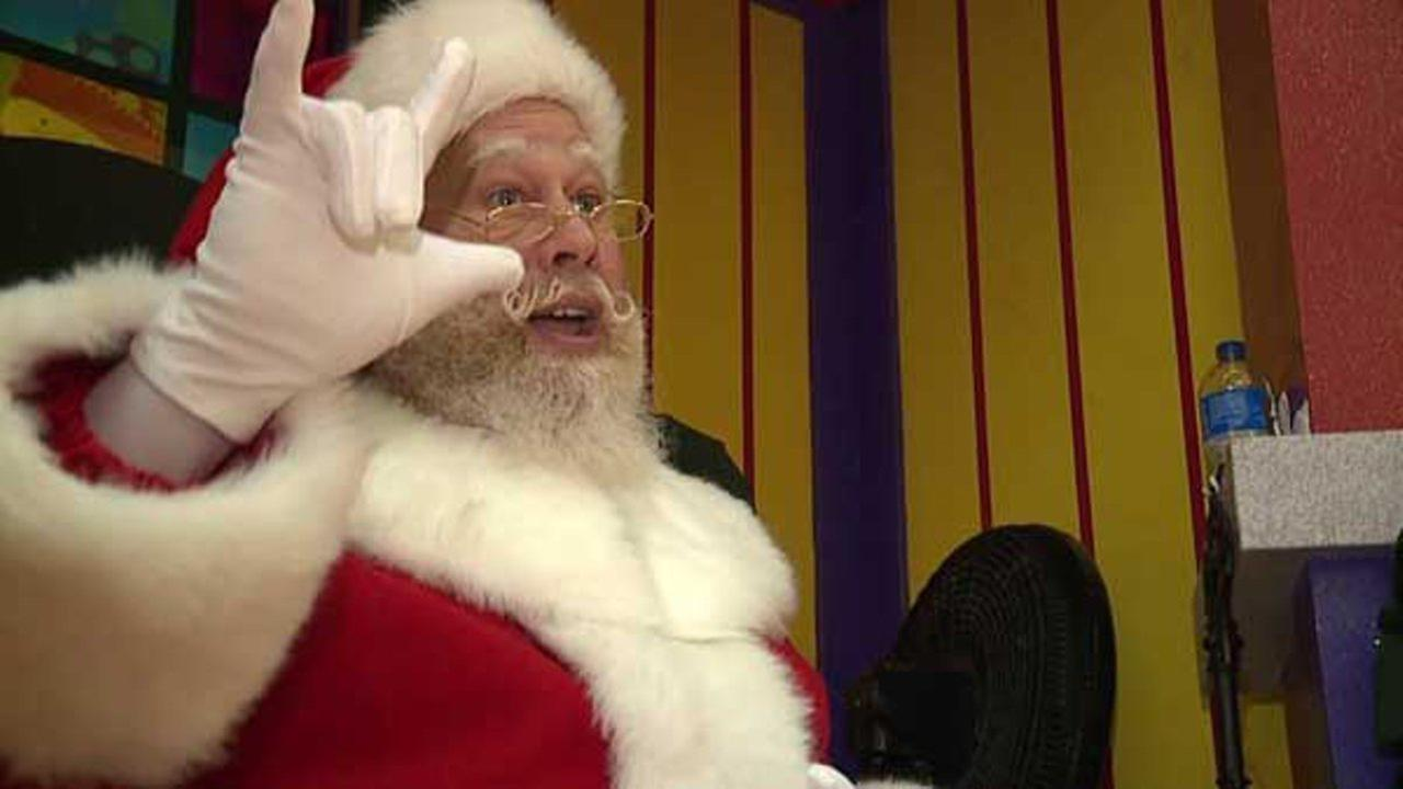 Santa Claus able to communicate with the hearing-impaired