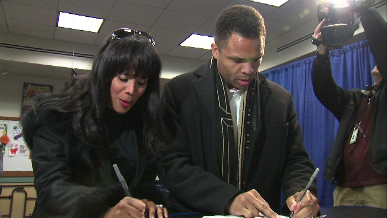 Jesse Jackson Jr. files formal petition to divorce Sandi Jackson
